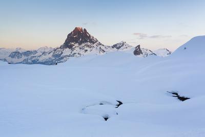 https://imgc.artprintimages.com/img/print/pic-du-midi-d-ossau-and-lac-gentau-in-winter-pyrenees-national-park-aquitaine-france_u-l-q19oc9w0.jpg?p=0