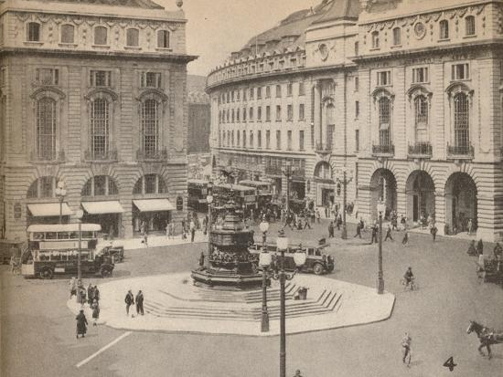 Piccadilly Circus 1931, (1935)-Unknown-Photographic Print