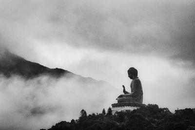Tian Tan Buddha by picture by Chris Kench Photography