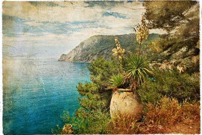 Picturesue Italian Coast - Artwork In Retro Painting Style-Maugli-l-Art Print
