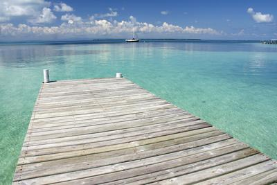 https://imgc.artprintimages.com/img/print/pier-over-clear-waters-southwater-cay-stann-creek-belize_u-l-pxrkqc0.jpg?p=0