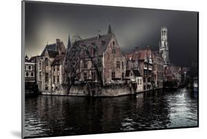 The Darkness of Winter Cold by Piet Flour