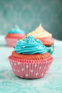 Cupcakes by pink candy