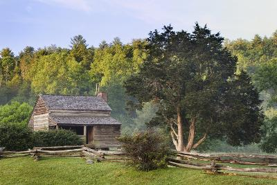 Pioneer Cabins in Cades Cove, Great Smoky Mountains National Park, Tennessee, USA--Photographic Print
