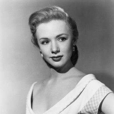 Piper Laurie carrie death