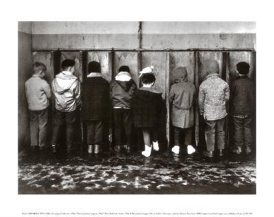 Pipi Pigeon-Robert Doisneau-Art Print