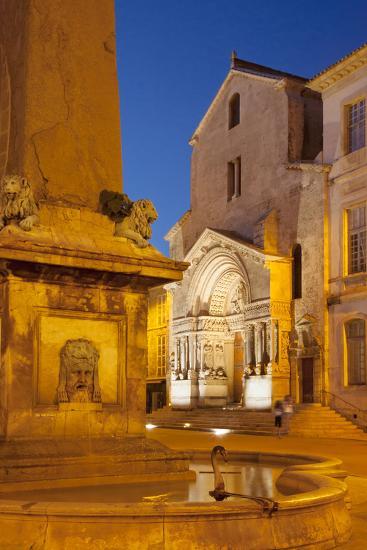 Place De La Republique, Arles, Provence, France-Brian Jannsen-Photographic Print