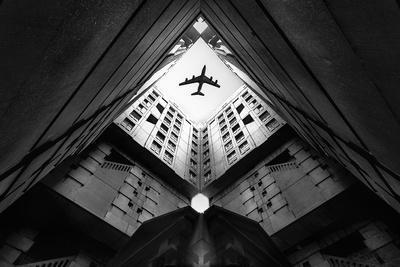 https://imgc.artprintimages.com/img/print/plane-city_u-l-q11dgam0.jpg?p=0