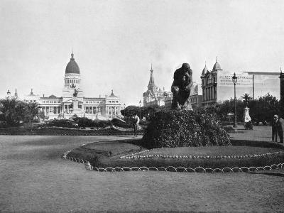 Plaza De Mayo and Congress Building, Buenos Aires, Argentina--Giclee Print