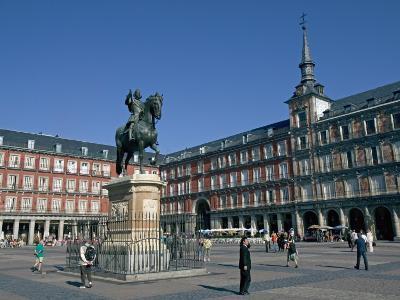 Plaza Mayor, Madrid, Spain, Europe-Marco Cristofori-Photographic Print