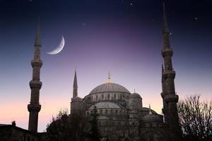 Blue Mosque - Istanbul / Turkey by PlusONE