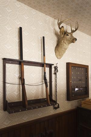 https://imgc.artprintimages.com/img/print/police-station-gun-rack-old-cowtown-museum-wichita-kansas-usa_u-l-pn6rh50.jpg?p=0