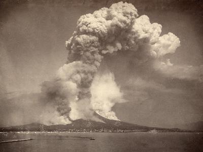 Pompeii: Mount Vesuvius--Photographic Print