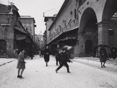 Ponte Vecchio with Snow-Vincenzo Balocchi-Photographic Print