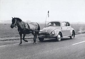 Pony Pulling Volkswagon, France