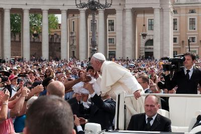 Pope Francis Attends His Weekly Audience in Saint Peter's Square-Lori Epstein-Photographic Print
