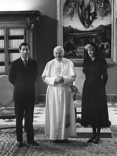 Pope John Paul II Meets with Prince Charles and Princess Diana in the Vatican--Photographic Print