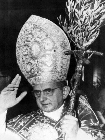 https://imgc.artprintimages.com/img/print/pope-paul-vi-blessing-crowd-in-st-peter-s-basilica-on-palm-sunday-vatican-city-april-3rd-1966_u-l-p6wwl00.jpg?p=0