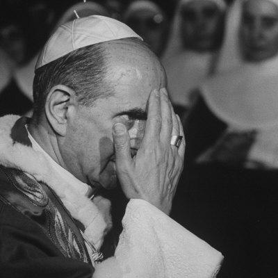 https://imgc.artprintimages.com/img/print/pope-paul-vi-officiating-at-ash-wednesday-service-in-santa-sabina-church_u-l-p76cyb0.jpg?p=0