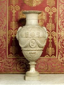 Pope's Apartment, Apartment Louis Xv Bedroom: Vase