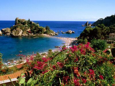 https://imgc.artprintimages.com/img/print/populated-island-coastline-isole-bella-sicily-italy_u-l-p20r5m0.jpg?p=0