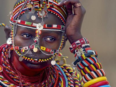 https://imgc.artprintimages.com/img/print/portrait-of-a-samburu-maiden_u-l-pxtvyc0.jpg?p=0