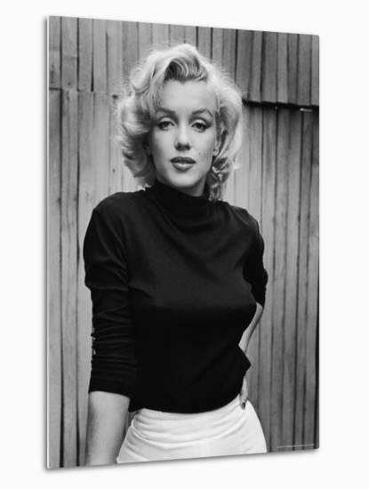 Portrait of Actress Marilyn Monroe on Patio of Her Home-Alfred Eisenstaedt-Metal Print