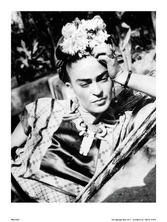 https://imgc.artprintimages.com/img/print/portrait-of-frida-kahlo_u-l-f5w3r30.jpg?p=0