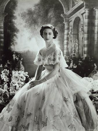 https://imgc.artprintimages.com/img/print/portrait-of-princess-margaret-in-ballgown-countess-of-snowdon-21-august-1930-9-february-2002_u-l-q10w3xc0.jpg?p=0