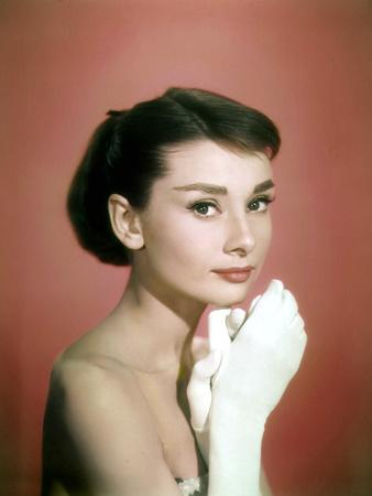 https://imgc.artprintimages.com/img/print/portrait-of-the-american-actress-audrey-hepburn-photo-for-promotion-of-film-sabrina-1954_u-l-pwgjk30.jpg?p=0