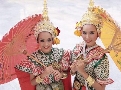 https://imgc.artprintimages.com/img/print/portrait-of-two-dancers-in-traditional-thai-classical-dance-costume-thailand_u-l-p2kjmi0.jpg?p=0