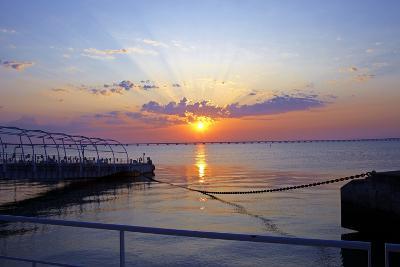 Portugal, Lisbon, Sunrise, Bridge, Vasco Da Gama, Mouth of River Tejo, Sunrise-Chris Seba-Photographic Print