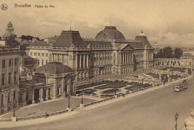 Postcard Depicting a View of the Royal Palace of Brussels--Photographic Print