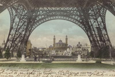 Postcard Depicting Le Trocadero--Photographic Print