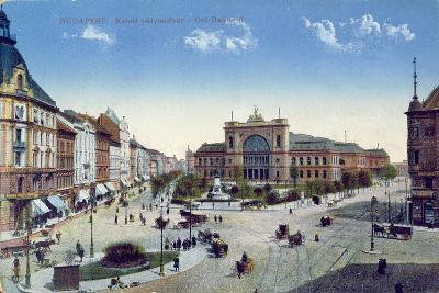 Postcard Depicting the Keleti Palyaudvar Station in Budapest, Hungary, C.1900--Giclee Print