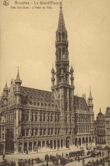 Postcard Depicting the Town Hall in the Grand'Place--Photographic Print