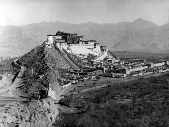 Potala Palace, Lhasa, C.1920-1 Photographic Print by | Art.com