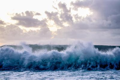Powerful Waves Crash on the North Shore of Oahu-Ben Horton-Photographic Print