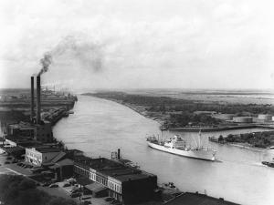 Powerplant on Savannah River