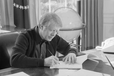 jimmy carter oval office. President Jimmy Carter Working At His Desk In The White House Oval Office, 1970s Office