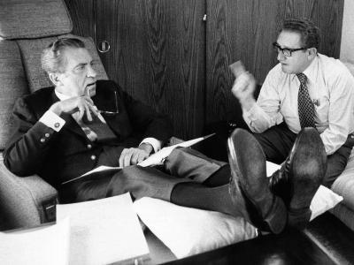 President Richard Nixon and Henry Kissinger Talking on Air Force One--Photo