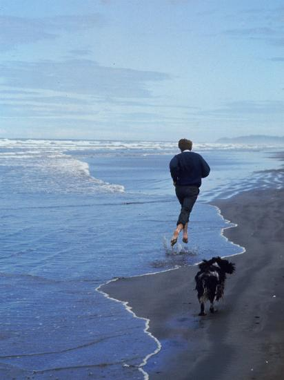 Presidential Candidate Bobby Kennedy and His Dog, Freckles, Running on an Oregon Beach-Bill Eppridge-Photographic Print