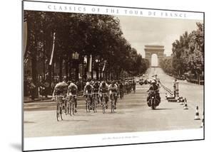 1975 Tour Finish on the Champs Élysées by Presse 'E Sports