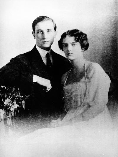 Prince Felix Yusupov and His Wife Princess Irina Alexandrovna of Russia, 1913--Photographic Print