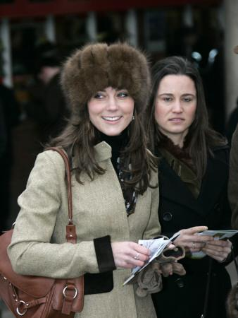 https://imgc.artprintimages.com/img/print/prince-williams-girlfriend-kate-middleton-seen-here-arriving-at-the-cheltenham-festival-on-gold-cup_u-l-pd3g9f0.jpg?p=0