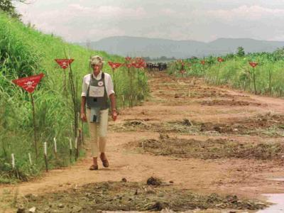 Princess Diana in Minefield Outside Haunbo Angola Endorsing the Red Cross Campaign--Photographic Print