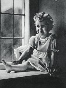 Princess Margaret at St Paul's Waldenbury, Hampshire, 1932