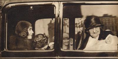 https://imgc.artprintimages.com/img/print/princess-margaret-rose-1930-1938_u-l-q13fqhi0.jpg?p=0