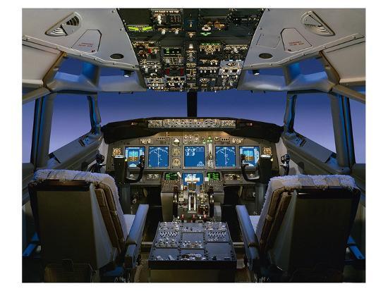 737-pilot-centered-flight-deck