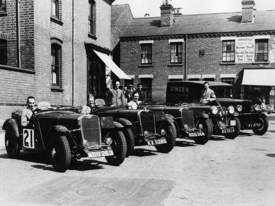 a-line-of-singer-le-mans-1-5-litre-tt-cars-1934